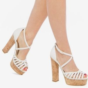 Shoe Dazzle Lorin White with Cork Heels size 8.5